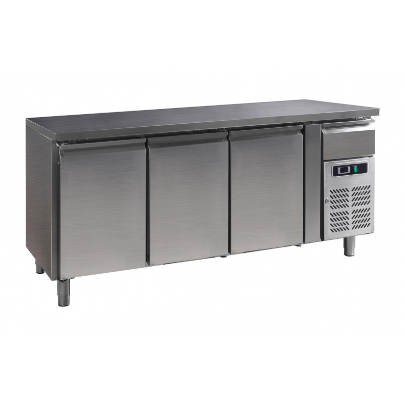 Refrigerated table 3 doors 386 Liter