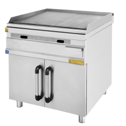 Fry top a gas armadiato SERIE 900